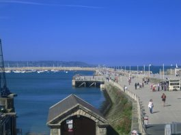 Dun Laoghaire Pier in the sunshine