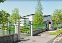 Locals have expressed concerns over the proposed phone mast's proximity to Scoil Thomais.