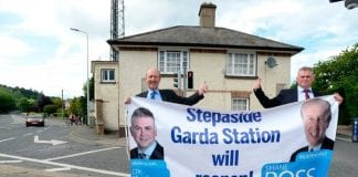 Minister Ross and Cllr Kevin Daly outside Stepaside Garda Station after it was announced that the station would reopen in June 2017. Photo credit: Justin Farrelly