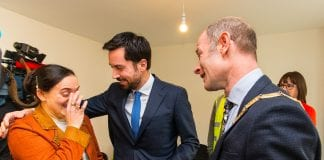 Maria Mieszczyk receiving the keys, with Minister Eoghan Murphy and Cllr Ossian Smyth, Cathaoirleach of DLRCC. Picture: Peter Cavanagh